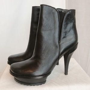 Lisa for Donald J Pliner booties
